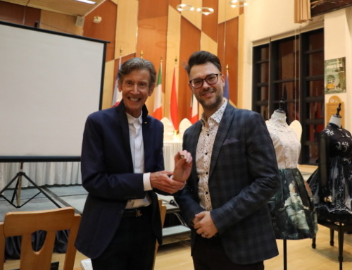 Prof. Barry Lee Reynolds Was Presented the Award of 'Half Blue' in MCMC